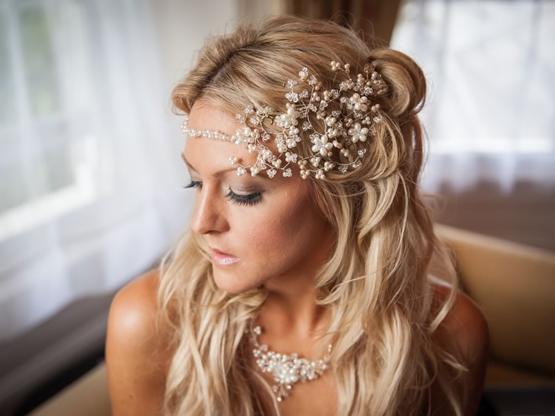 What not to do when choosing your bridal jewellery so you can get the beautiful bridal look you've been longing for and the wedding of your dreams! Get your aisle-style right with help on the Wedding Ideas website!