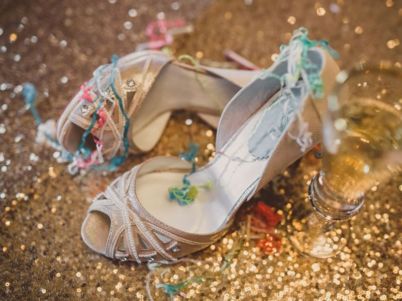 All the autumn wedding ideas you need for a perfect wedding - a dreamy dress, stylish shoes, the prettiest details and the must-have photos!
