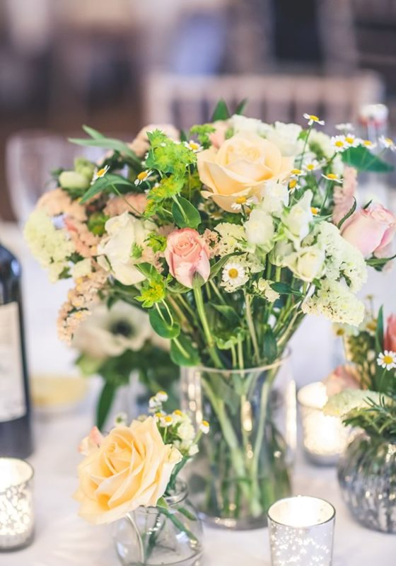 Our five top tips to plan your wedding fast and still find a dream venue and dress plus cake, flowers and stationery solutions!