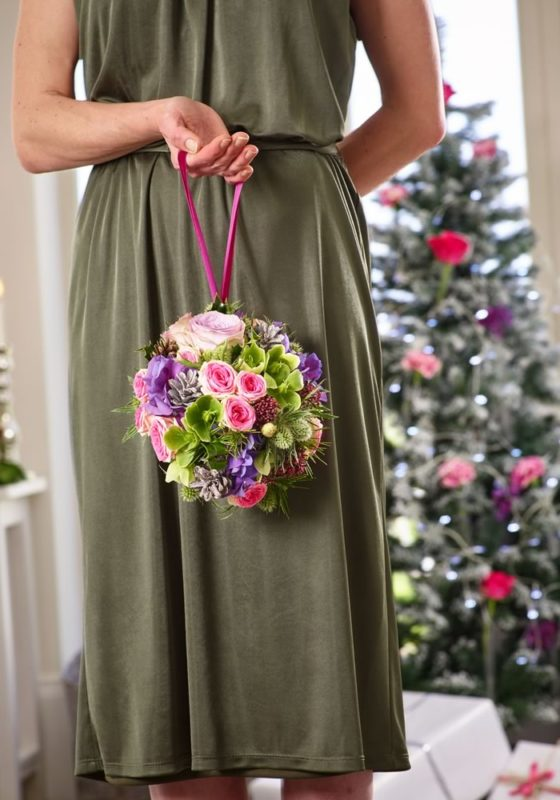 Escaping the traditional red and green colour scheme has never been easier thanks to the expert florists at Interflora, who share their Christmas flowers!