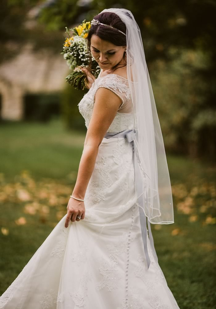Twirling bride- Should your Groom see Your Wedding Dress?