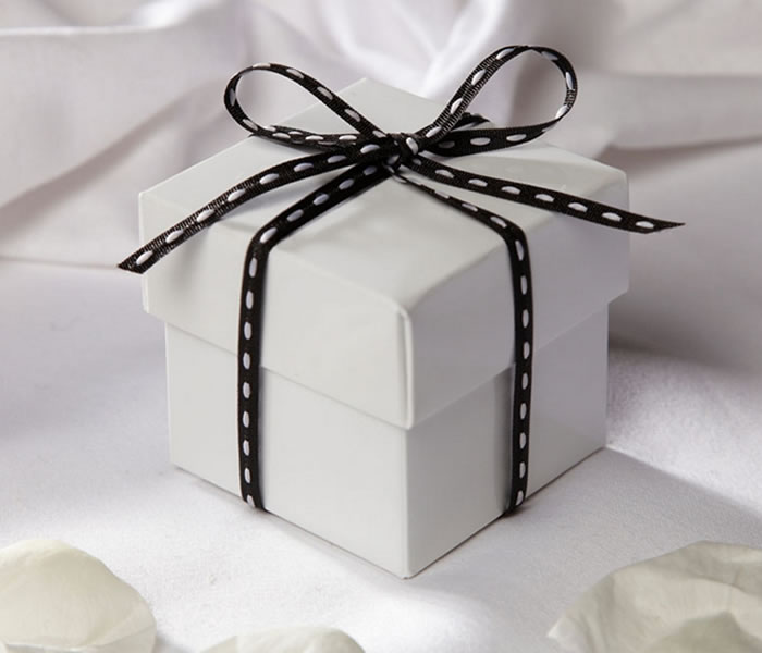 wedding-ideas-shop-favour-boxes