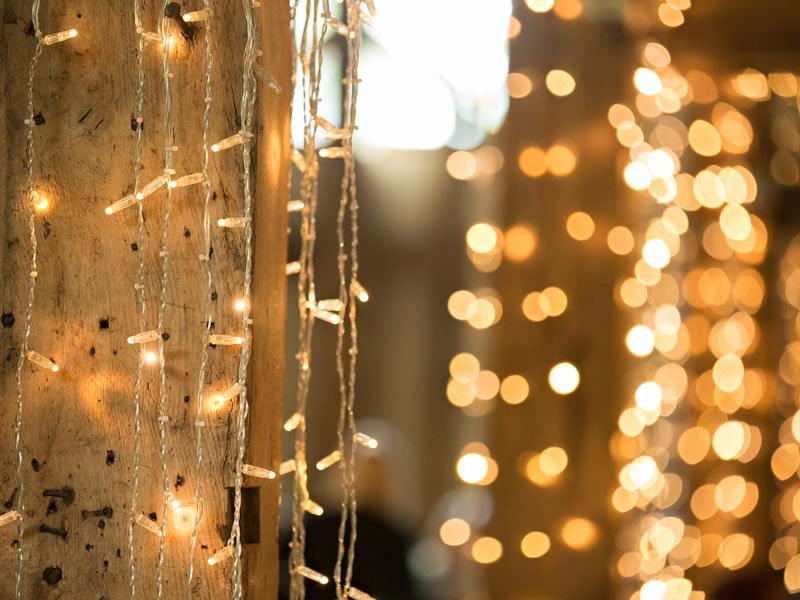 Your winter wedding survival guide in three simple steps to make your magical wintery day stress-free and simply stunning!