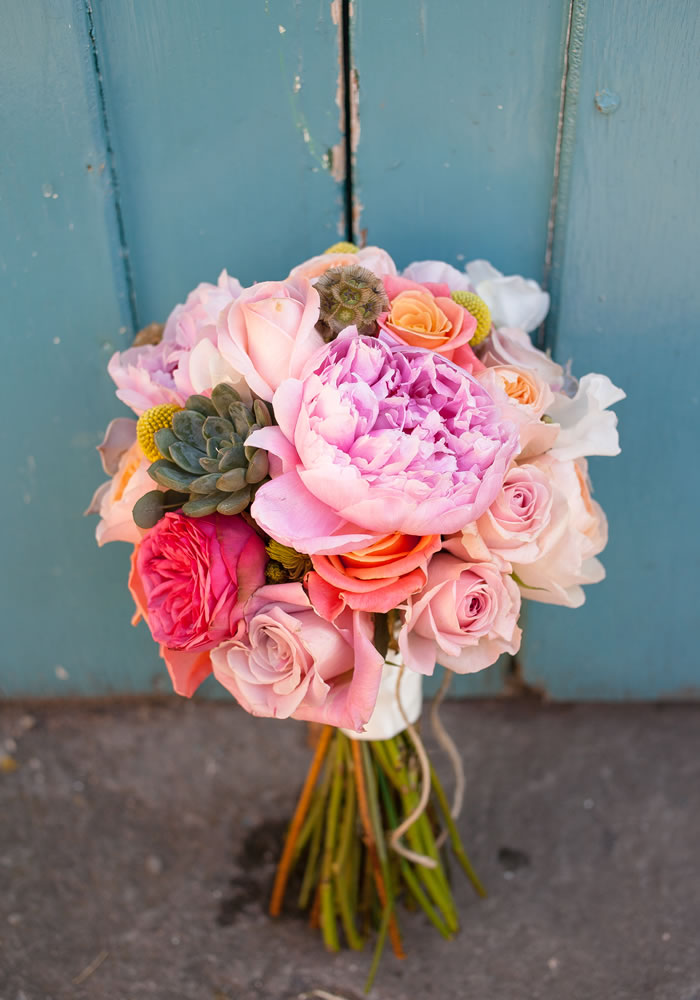 freestanding bouquet 12 Days of Wedding Planning: Choosing Your Florist and Flowers