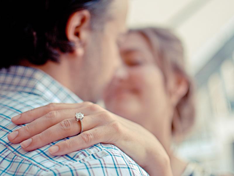 choosing-engagement-ring-2