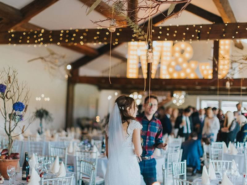 barn decor lights - Barn Wedding Decor and how to Style It