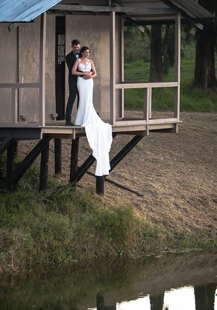 Because, let's face it, when you're planning the ultimate day of your dreams, it's pretty hard not to blow your wedding budget... It is possible, though!