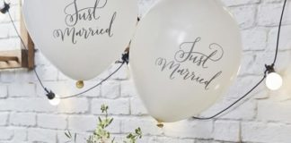 Your wedding reception should match your mood - it should be romantic! These 11 romantic decorations will create the perfect atmosphere whatever your venue. And with rustic, elegant and simple styles – they're perfect for almost every wedding décor theme!