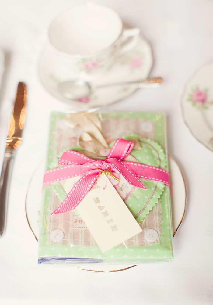 Wedding favours that won't be wasted need to have a use beyond looking pretty. Here, we bring you all the ideas you need to do it on budget and in style!