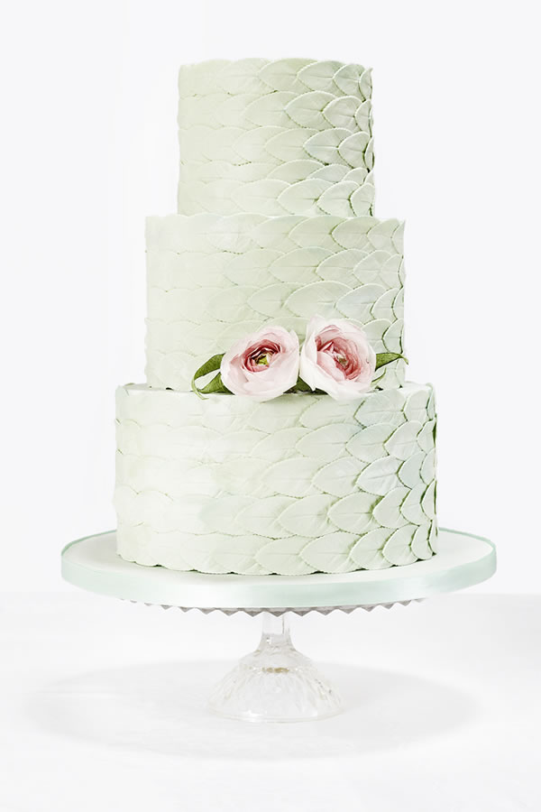 cakesbykrishanthi.co.uk: Scale effect leaves in mint green dressed with blush peonies.