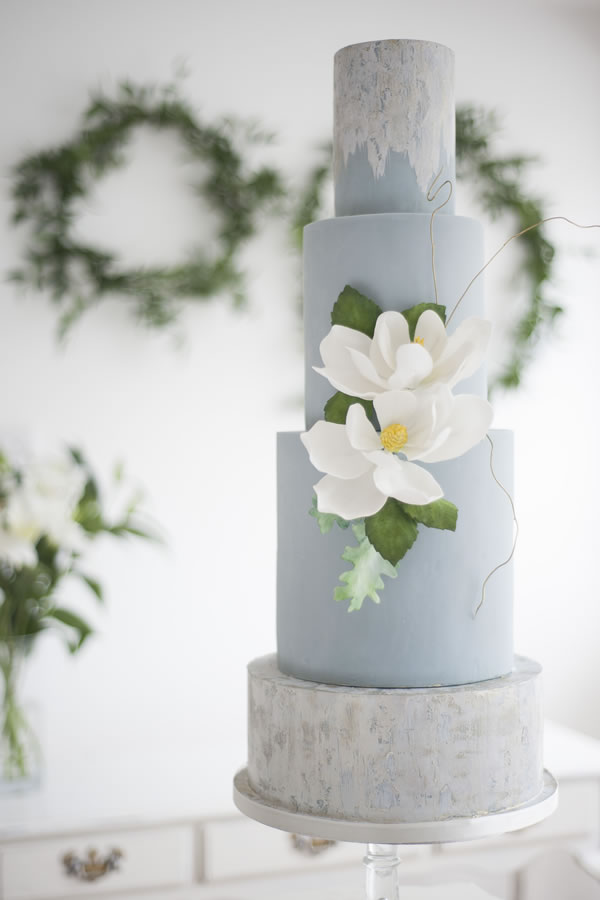 edibleessencecakeart.com:Sugar craft florals, fondant and marble effect edible paint