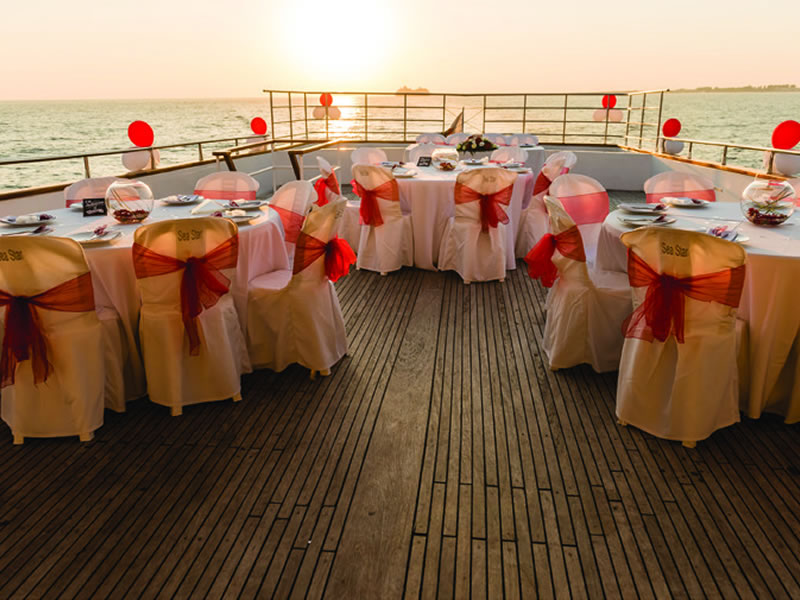 exclusive yacht weddings