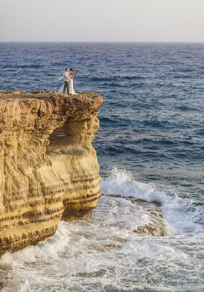 Want to make sure your beach wedding photographs are as beautiful as your chosen destination? Use these examples for the prettiest ideas!