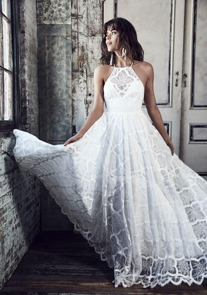 4a4fd4f92d2 best-beach-wedding-dresses-wedding-abroad