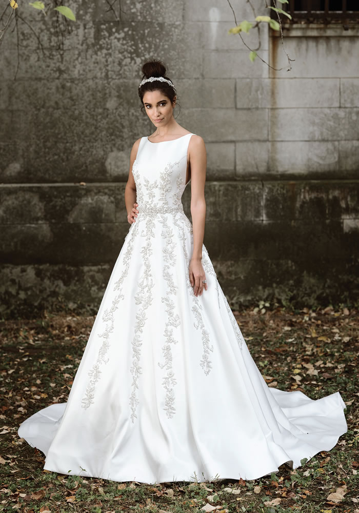 With the brand Fall Signature collection by Justin Alexander, it's ALL in the detail and the dramatic shapes that make the bride and her personality shine