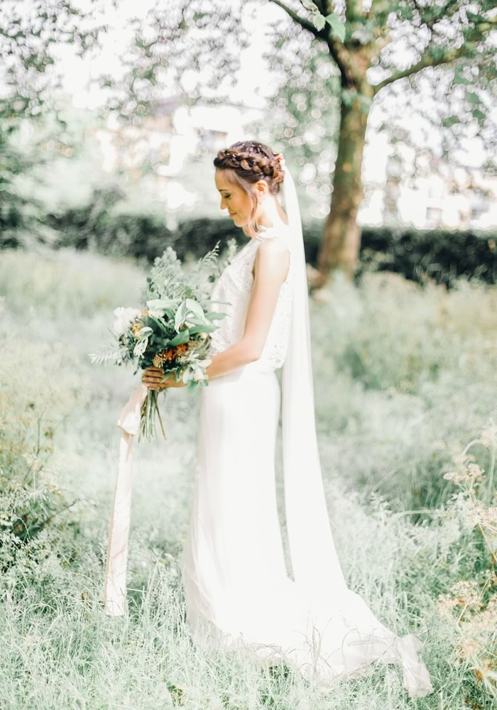 We unravel the differences between wedding photography styles with leading photographers to help you choose the perfect style for you! Get the photo poses, tips and ideas you need for flawless wedding photos whatever your style right here