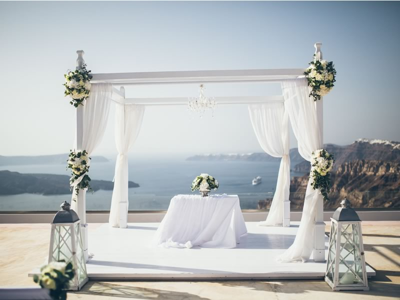 Our Deputy Editor grapples with the decision of whether to marry at home or away, how to keep her guests happy and do it on budget...