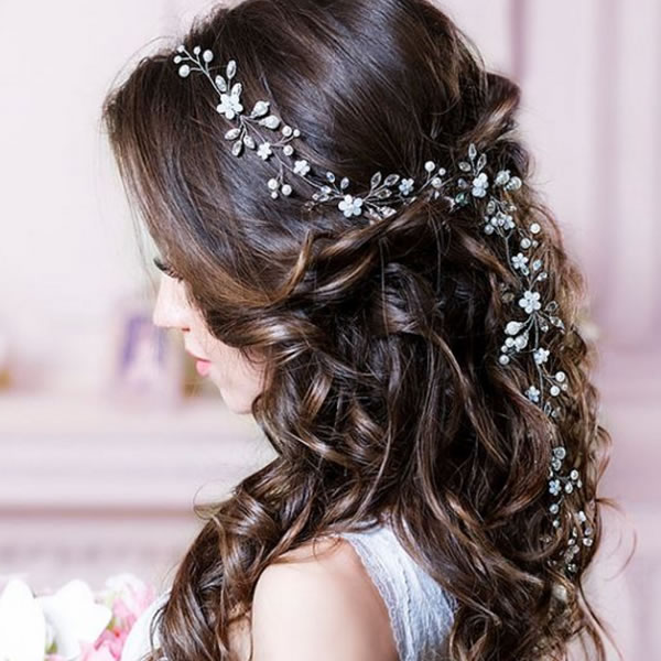 Wedding Hair Accessories: Your Guide to Bridal Hair Accessory Ideas