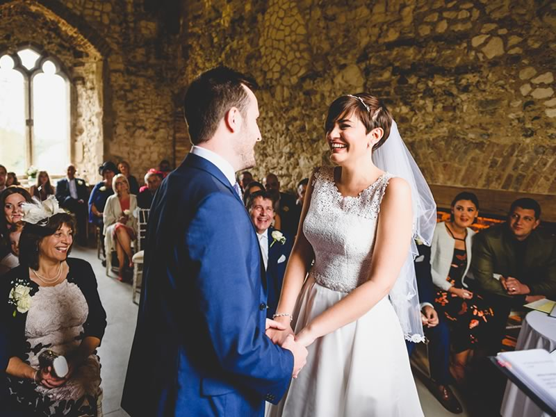 These stunning wedding venues only have a few dates left free for 2017 - book one for yourself and enjoy special offers in a spectacular setting!