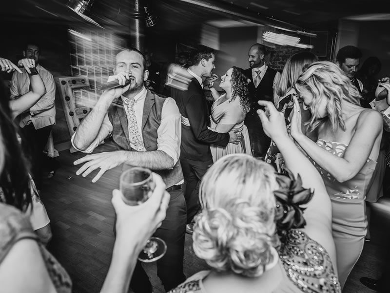 Your wedding will be one of the biggest parties you ever throw, so entertainment should be a priority. Let's start with the wedding band...