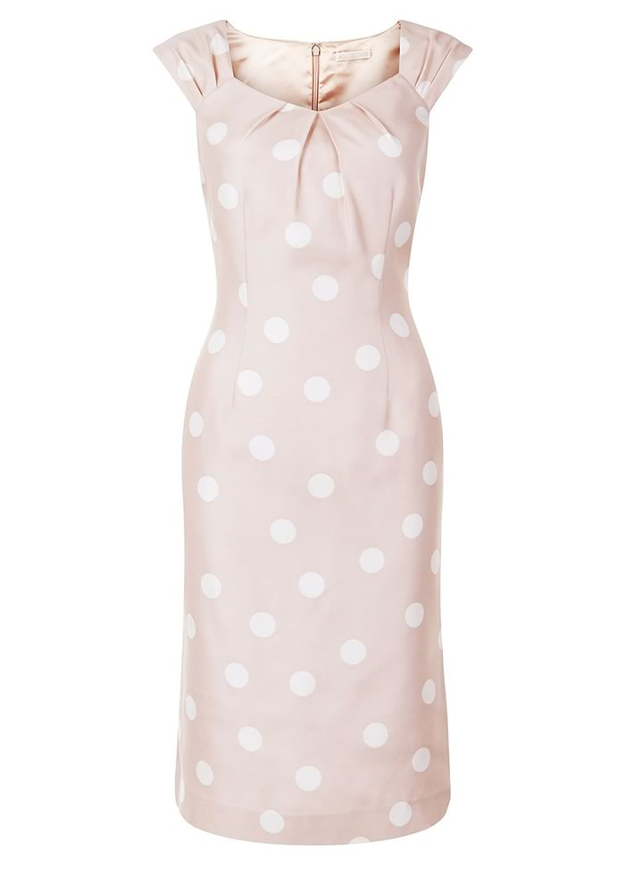 Will you be attending a wedding this season? Here's your style guide of dresses to be a beautifully dressed summer wedding guest