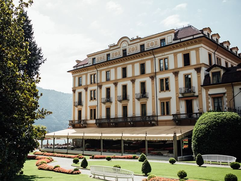 This Lake Como wedding sets new standards for Italian glamour! It's a must-see for inspiration if you're planning your wedding abroad...