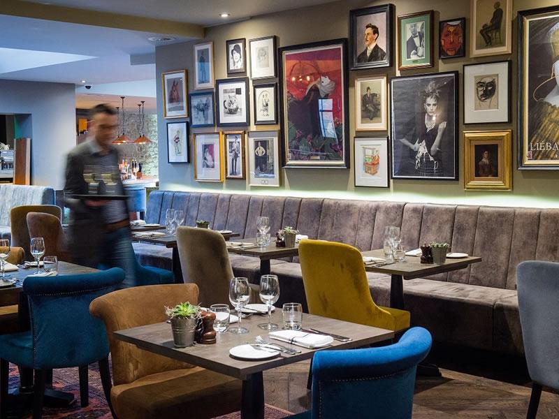 TOP 10 Cotswolds Wedding Venues: Kings head Hotel