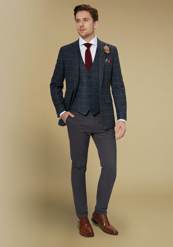 Win Moss Bros Suits!