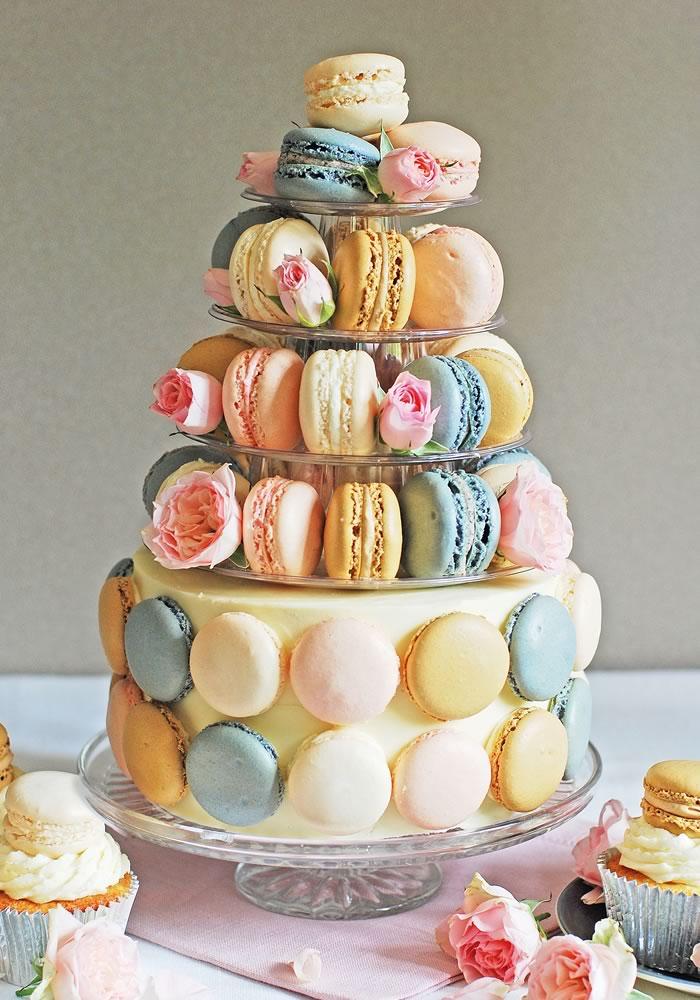 Around The World In 8 Wedding Cakes Wedding Ideas Magazine