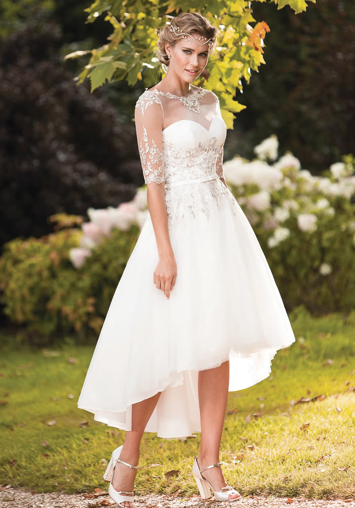 LOVE to dance? Opt for a bridal style that will allow you to do so without holding you back. Be sure to try these stunning wedding dresses to dance in!