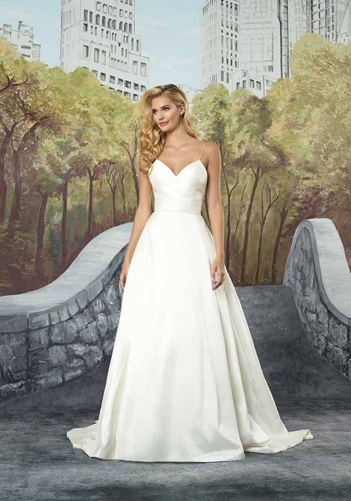 Justin Alexander Collection: Minimalist Wedding Dresses style 8927