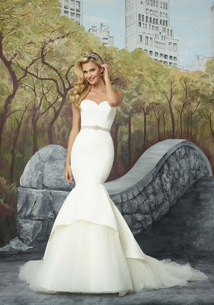 Justin Alexander Collection: Minimalist Wedding Dresses style 8933
