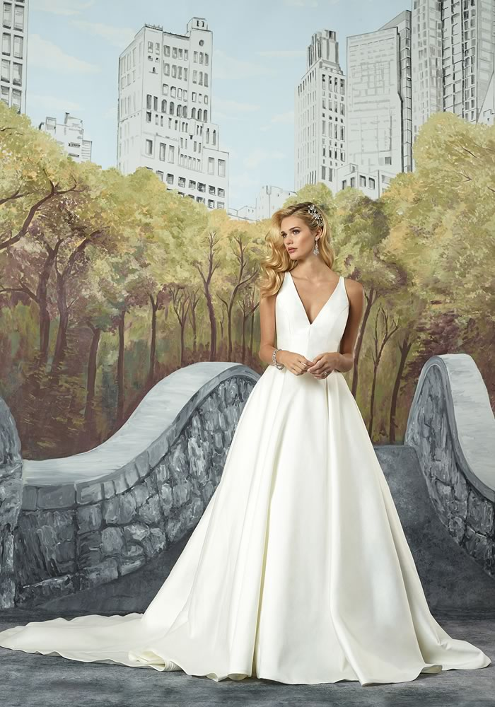 Justin Alexander Collection: Minimalist Wedding Dresses style 8937