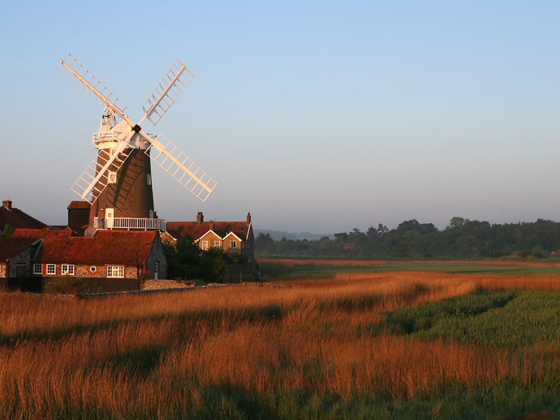 UNMISSABLE Locations For The MOST Intimate Wedding Venues: Clay Windmill