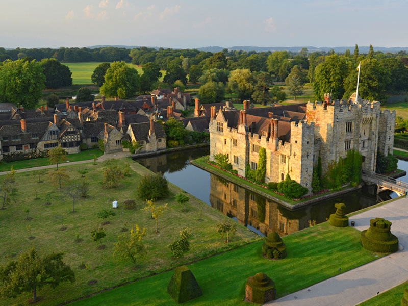 UNMISSABLE Locations For The MOST Intimate Wedding Venues: Hever Castle
