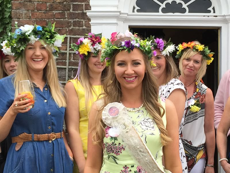 Whether it's you or your girls planning your hen do, you need hen party ideas to make it perfect. Here are 4 ideas by personality - which is for you?