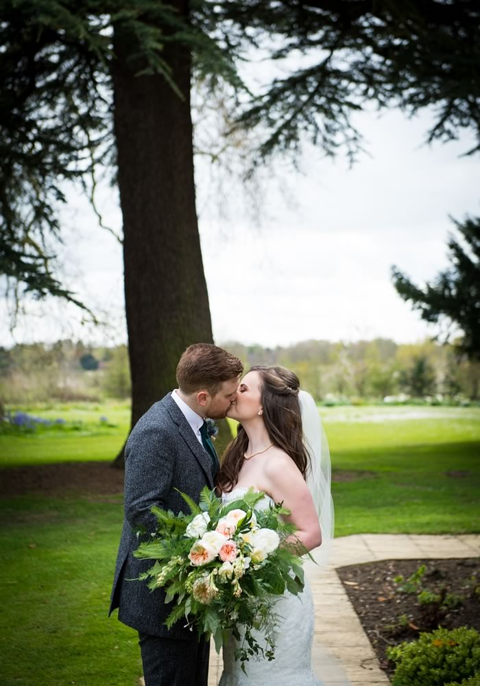 A 1920s Theme Wedding Without The Black And Gold Colour Scheme