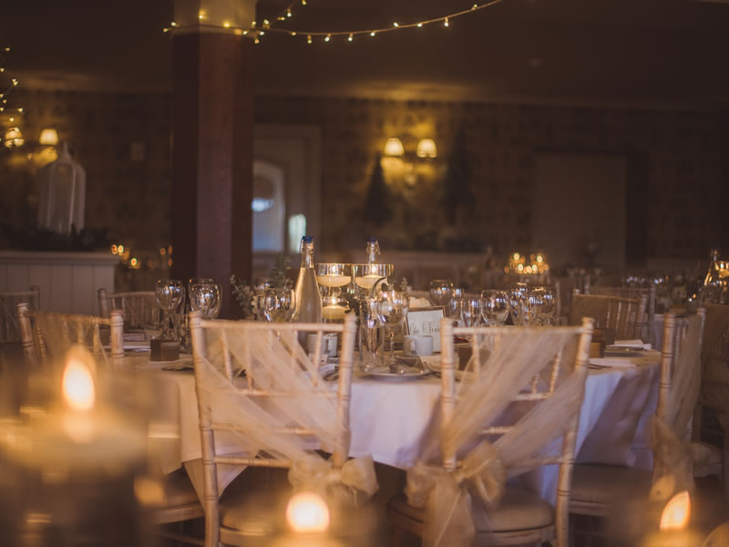 Taking advantage of late availability wedding venues doesn't need to be frowned upon - it can be a fantastic way to bag a bargain for your dream day: Shireburn Arms