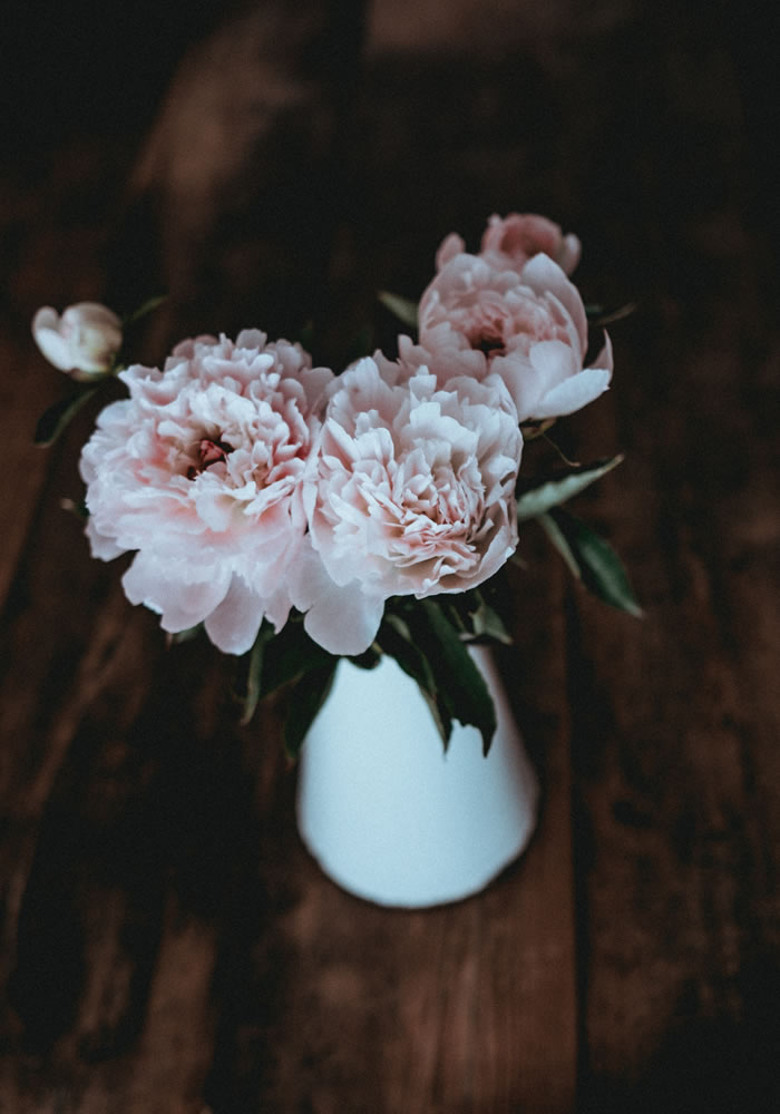The Flowers To 'GIY' For Your Wedding Bouquet: Peonies