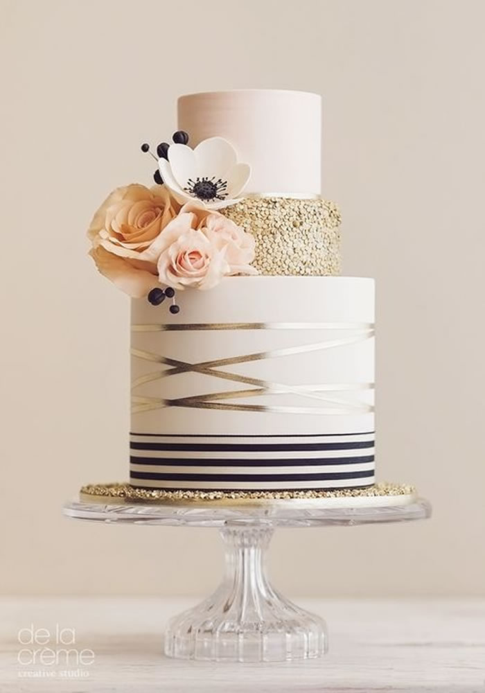 Wedding-worthy Cake Trends: Fondant Painting