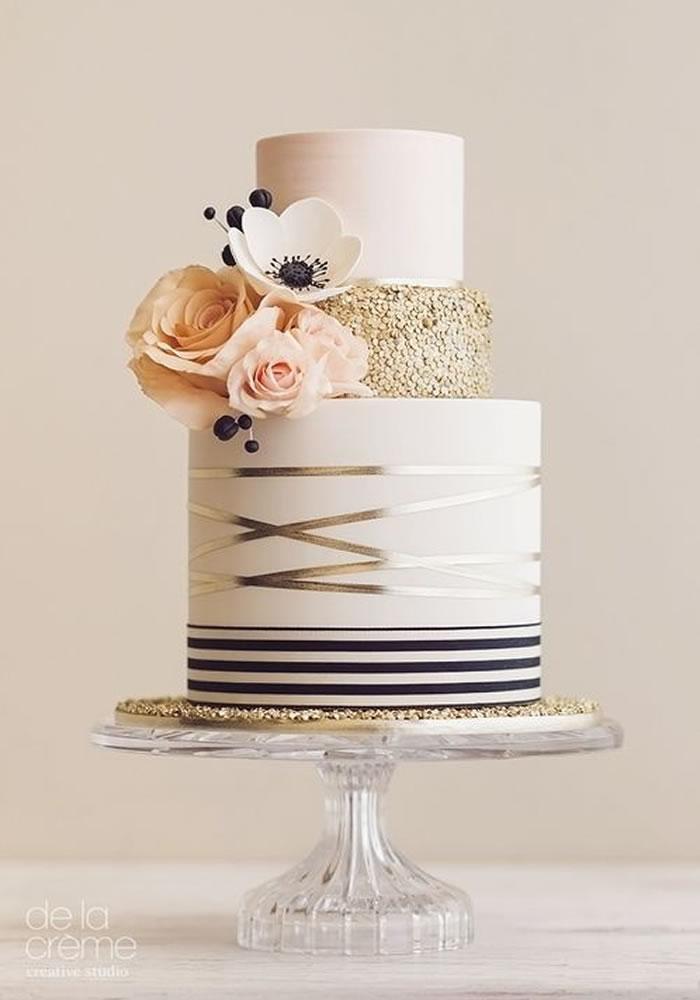 Wedding-worthy Cake Trends: Fondant Painting