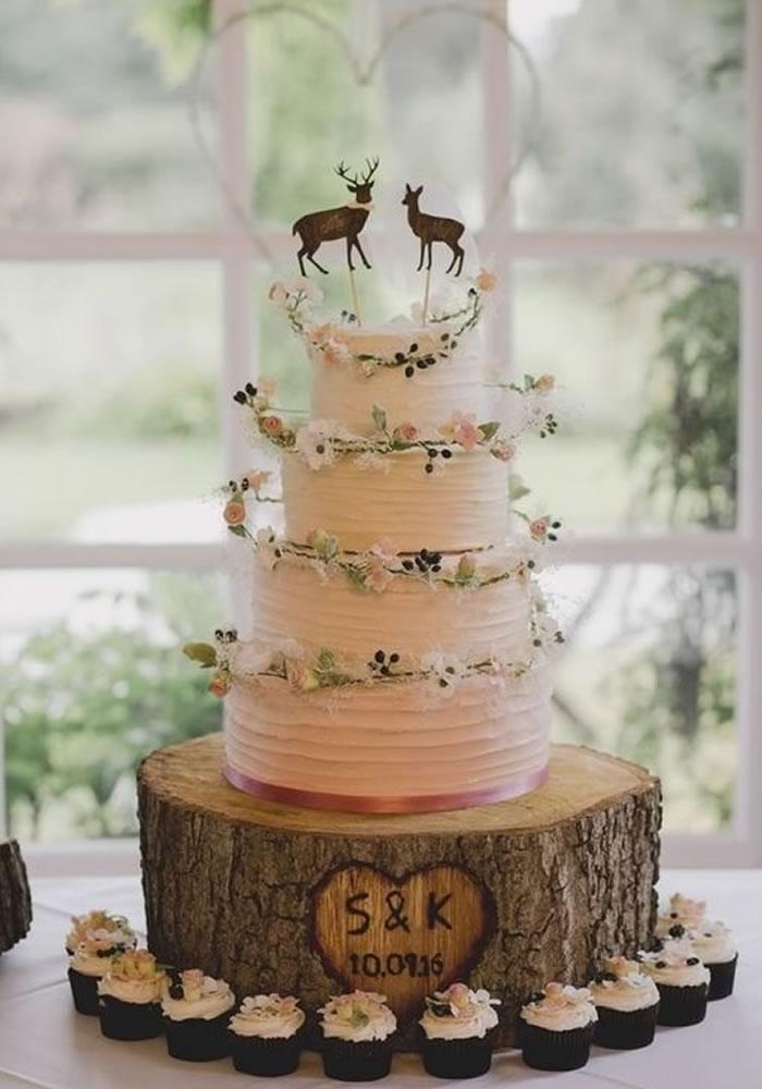 Emily Gussin Cream Ercream Wedding Cake