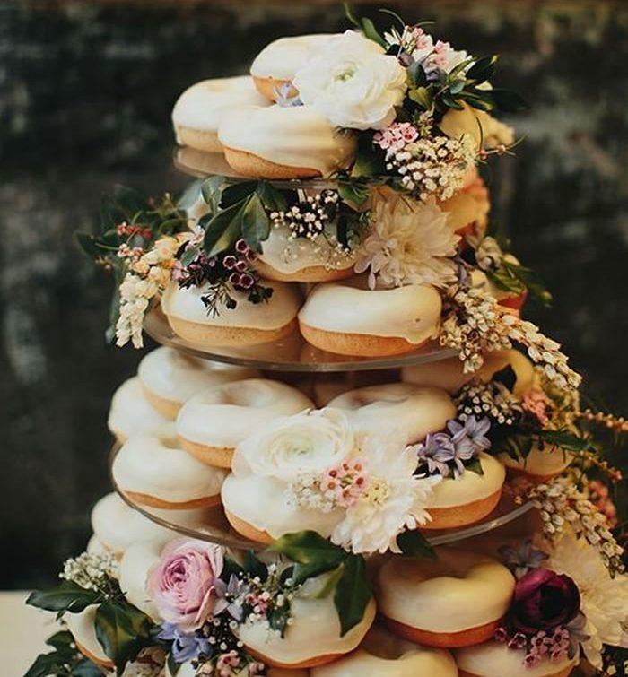 Autumn Wedding Cake And Topper Ideas