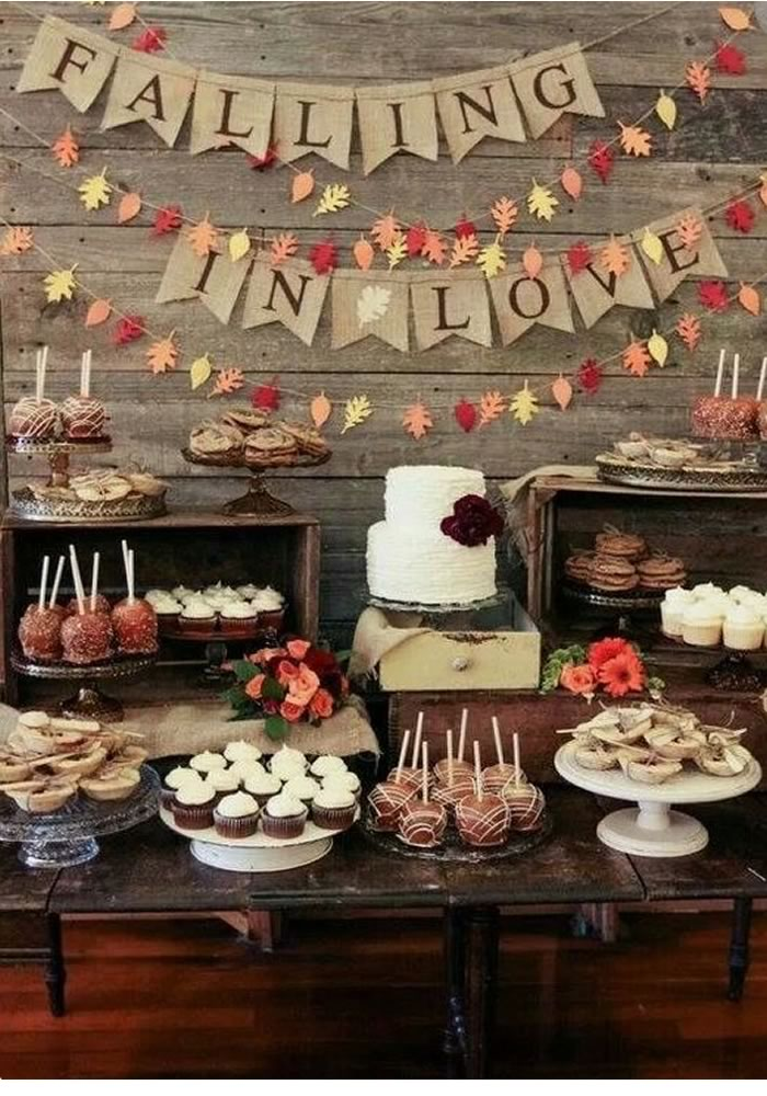 Autumn wedding desert table