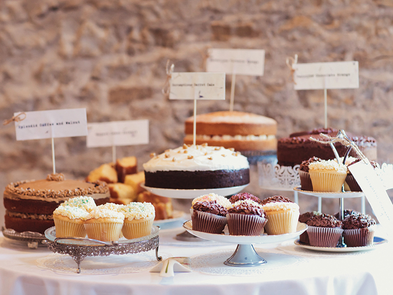 On the hunt for mouth-watering wedding food for your autumn wedding? You're in luck! These 25 food and drink ideas will delight you AND your guests!