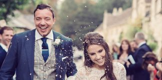 This Wiltshire wedding will have you dreaming of a rustic, navy and white celebration! Relaxed but totally timeless, let this couple's wedding inspire yours