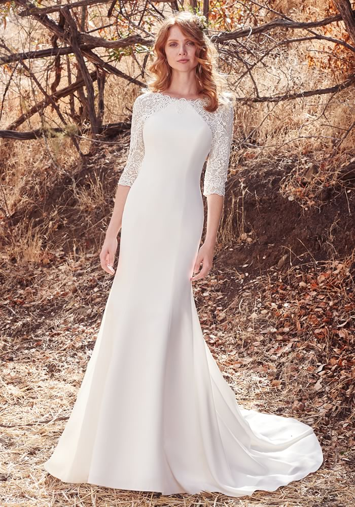 Will you be an autumn bride, or celebrating a fall wedding? Then you'll LOVE these autumn wedding dresses that are ultra pretty and perfect for the season