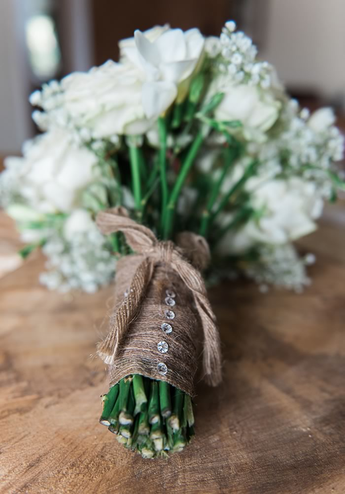 Want to rock a glamorous wedding dress from the likes of Jenny Packham AND have a rustic wedding? This real wedding nails it, and shows you how to do it too