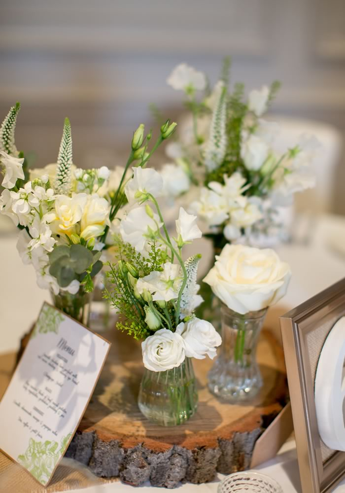 Classic, traditional weddings can still have a country style! Just check out this rustic white wedding, which is guaranteed to please everyone...