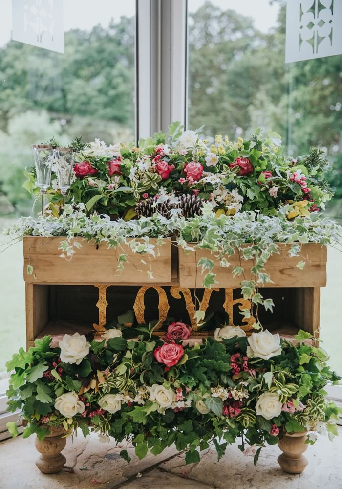 Whether it's reception decoration or wedding decoration ideas for the entire day, these 25 stylish decorations will give your venue show-stopping style!